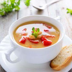 Kichererbsensuppe mit Paprika  Mit dieser blitzschnell zubereiteten, Suppe haben Sie im Handumdrehen eine gehaltvollen Hauptmahlzeit auf dem Tisch.  http://einfach-schnell-gesund-vegan.de/kichererbsensuppe-mit-paprika/