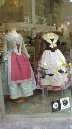Huertana Folk Costume, Costumes, Lederhosen, Beauty And The Beast, Vintage Fashion, Tattoos, How To Wear, Dresses, Style