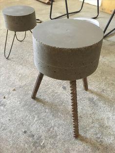 Great idea to try at beed cement shop Concrete Stool, Concrete Sculpture, Concrete Furniture, Diy Furniture, Furniture Design, Cement Art, Concrete Art, Concrete Design, Concrete Crafts