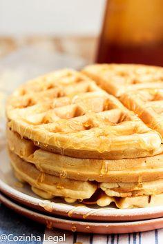 Waffle americano fofinho e crocante: receita americana • Cozinha Legal Waffle Americano, Fluffy Waffles, Biscotti, Food Hacks, Breakfast Recipes, Diet, Cake, Tasty Snacks, Sweet Like Candy