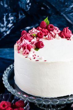 Rezept für Himbeertorte mit Biskuitböden – Recetas - New ideas Barbie Cake, Raspberry Cake, Easy Cake Recipes, Coco, Cake Decorating, Bakery, Food And Drink, Sweets, Eat