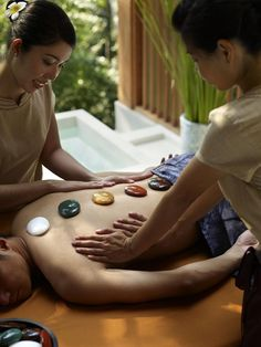 Have you ever heard about Chakra Crystal? It's a synchronised massage with two therapists work in harmony using alternating massage strokes. This holistic experience is enhanced with warm crystals that deeply relax and balance the chakras. #TheSpa #FSKohSamui