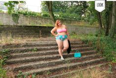 french curves : bikini Bikini For Curves, Oui Oui, Bikinis, Swimwear, French, Fashion, Fashion Styles, Bathing Suits, Moda