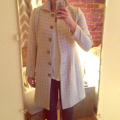Banana Republic spring coat Coat is houndstooth - cream and white. Only been worn once Banana Republic Jackets & Coats