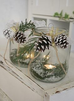 28 DIY Christmas Luminaries to Make For Holiday Decor - winter decor Diy Christmas Lights, Diy Christmas Decorations Easy, Christmas Lanterns, Christmas Crafts For Kids, Rustic Christmas, Simple Christmas, Christmas Diy, Holiday Decor, Vintage Christmas