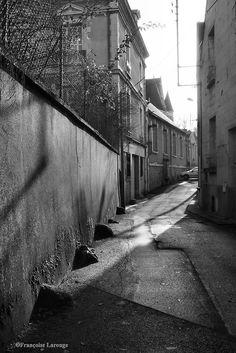 Rue des vielles école, Indre et Loire, France. Photo ©2014 Françoise Larouge