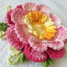 Flor Priscila passo a passo - http://www.croche.com.br/flor-priscila-passo-a-passo/