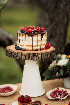 Bohemian Vintage Inspirational Shoot / Nunta in livada - Sedinta foto inspirationala Vintage Bohemian, Inspirational, Cakes, Desserts, Blog, Wedding, Deserts, Tailgate Desserts, Valentines Day Weddings