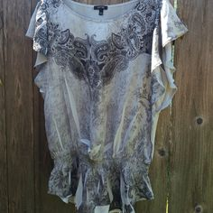 Apt 9 blouse lightweight with elastic low waistband. cap flowing sleeve. perfect shape. Apt. 9 Tops Blouses