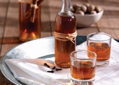Amateur Cook Professional Eater - Greek recipes cooked again and again: Homemade liqueur with mandarines Homemade Alcohol, Homemade Liquor, Homemade Gifts, Ukrainian Recipes, Russian Recipes, English Food, Spiced Apples, Alcohol Recipes, Saveur