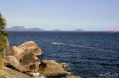 Praia Vermelha do lado de cá, Niterói do de lá.  Entrada da Baia de Guanabara. http://delcueto.wordpress.com