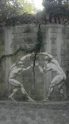 Trasformare una crepa sul muro in un'opera d'arte