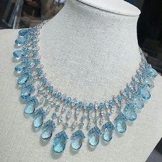 Luxury Jewelry, Modern Jewelry, Fine Jewelry, Jewelry Art, Gold Diamond Earrings, Diamond Pendant Necklace, Diamond Necklaces, Pearl Pendant, Necklace Set