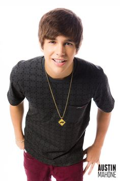 """ATTENTION!!!: Everyone there is this one girl who is in a contest to meet Austin Mahone.  She really deserves it!!! All you have to do is click on the link below, then exit out, to """"vote"""" for her.  Please do this for her!"""