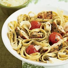 14 Tasty Pasta Recipes to Feed a Crowd. If you've never tried making homemade pasta, now's your chance! Yummy Pasta Recipes, Easy Chicken Recipes, Cooking Recipes, Healthy Recipes, Healthy Pesto, Soup Recipes, Dishes Recipes, Recipe Chicken, Healthy Chicken