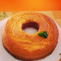 Ciambella senza glutine delicata e sofficissima, ottima sia per colazione sia per merenda.