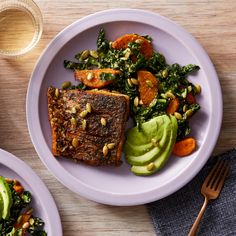 Mexican-Spiced Barramundi with Kale, Sweet Potato, & Avocado Salad - Healthy Fish Food İdeas Fish Salad, Avocado Salad, Fish Recipes, Seafood Recipes, Barramundi Recipes, Sweet Pumpkin Seeds, Mashed Avocado, Roasted Sweet Potatoes, The Fresh