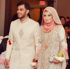 30 Best Muslim Wedding Couples - Girls in Hijab Muslimah Wedding Dress, Muslim Wedding Dresses, Hijab Bride, Muslim Brides, Muslim Couples, Hijabi Wedding, New Wedding Dress Indian, Dress Indian Style, Indian Outfits