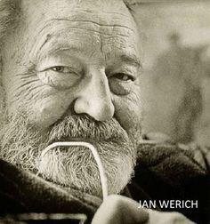 Většina zlých anebo špatných věcí, se děje,  buď z hlouposti anebo za cizí peníze. Jan Werich