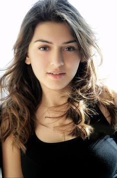Picture Hansika Motwani Beautiful Images New Movie Posters Beautiful Bollywood Actress, Most Beautiful Indian Actress, Beautiful Actresses, Cute Beauty, Beauty Full Girl, Beauty Women, India Beauty, Asian Beauty, Belle Nana