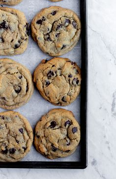 Bakery Style Chocolate Chip Cookies - The Little Vintage Baking Company recipes desserts Chocolate Chip Cookies Rezept, Best Chocolate Chip Cookie, Semi Sweet Chocolate Chips, Chocolate Recipes, Chocolate Chocolate, Healthy Chocolate, Baking Recipes, Cookie Recipes, Dessert Recipes