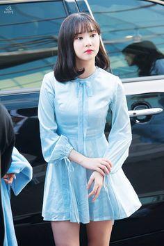 Eun Ha - 은하 #kpopirlgroup #gfriend #Yeojachingu #eunha #stage #outfit   #hearthewindsing#은하 #ウナ #여자친구 Kpop Girl Groups, Korean Girl Groups, Kpop Girls, Cute Asian Girls, Beautiful Asian Girls, Music 2015, Kpop Outfits, Fashion Outfits, J Hope Tumblr