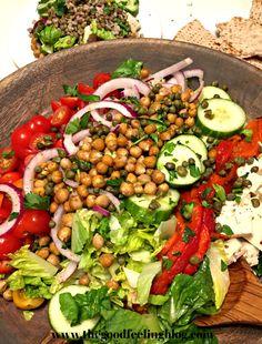 Vibrant Mediterranean Salad with Seasoned Lentils and Pita