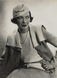 A Jurubeba Cultural: ● Imagens... Vintage. (Madame Yevonde, 1933).               ...