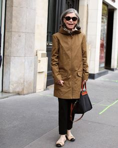 """Scott Schuman on Instagram: """"Parisian women really are so chic!! It's great to be back in Paris if even for only a few days!"""" Scott Schuman, Street Style 2016, Parisian, Winter Jackets, Chic, Women, Life, Fashion, Winter Coats"""