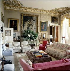 Chatsworth House Interior | Room featured in World of Interiors. Duchess of Devonshire