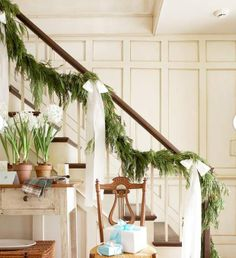 christmas stairway decoration | Forest Stairway Christmas Decorating