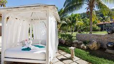 View pictures & videos of the Memories Jibacoa. Plan your vacation in paradise today! Outdoor Furniture, Outdoor Decor, Picture Video, Places To Go, Memories, Vacation, Gallery, Pictures, Home Decor