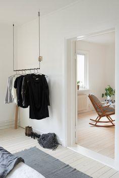 Closets on pinterest winter scarf outfit - Decoracion pisos pequenos ...
