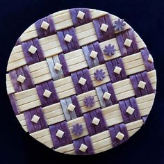 Blueberry dream limoncello pie with two-tone strip squares in a checkered blueberry and butter crust with diamond and flower trimmings Limoncello, Beautiful Pie Crusts, Pie Crust Designs, Blueberry Powder, Pie Decoration, Pies Art, Butter Crust, Pie Tops, Pastry Art