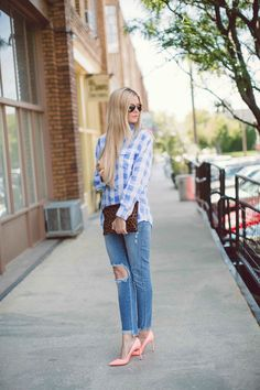 Blue Plaid - Barefoot Blonde by Amber Fillerup Clark Street Chic, Street Style, Covet Fashion, Womens Fashion, Frock Fashion, Barefoot Blonde, Sexy Jeans, Blue Plaid, White Plaid