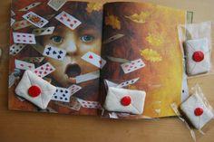 So Sunny, letter biscuits. Galletas con forma de carta con fondant. Cartas para Alicia. Letters to Wonderland