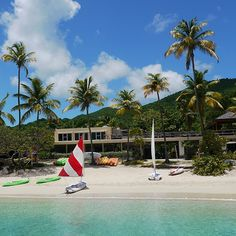 Welcome to St. John Island and the luxurious Caneel Bay beachfront resort. Perfect for a family vacation, destination wedding, or a nice escape from everyday stress. Caneel Bay Resort, Top 10 Honeymoon Destinations, Rosewood Hotel, Plans Architecture, Design Food, Johns Island, Us Virgin Islands, Travel Channel, Island Resort