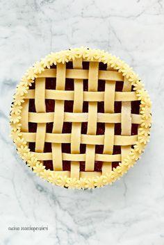 Crostata alle fragole e ricotta con tutorial per ottenere un intreccio perfetto!
