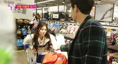 Girl's Day's Yura and Hong Jong Hyun argue at the store on 'We Got Married' | http://www.allkpop.com/article/2015/01/girls-days-yura-and-hong-jong-hyun-argue-at-the-store-on-we-got-married