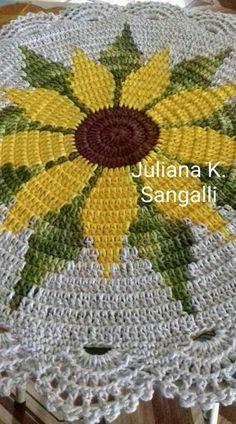 Nice table topper or center piece Crochet sunflower doily / Lace / Yellow with black or brown / Crochet Mat, Crochet Flower Patterns, Crochet Pillow, Crochet Home, Thread Crochet, Crochet Designs, Crochet Doilies, Crochet Flowers, Crochet Stitches