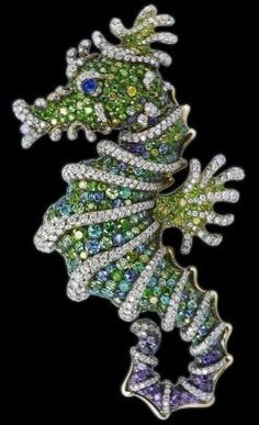 Faberge emerald and diamond seahorse brooch. | {ʝυℓιє'ѕ đιåмσиđѕ&ρєåɾℓѕ}