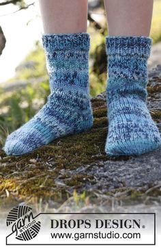 "Knitted DROPS socks in 2 threads ""Fabel"". Size 15 - 37. ~ DROPS Design"