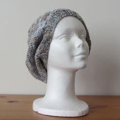 Bonnet, béret en laine blanc chiné de gris : Chapeau, bonnet par kikoune09