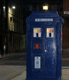 police box in Glasgow city centre Glasgow City Centre, Police Uniforms, Police Box, Classic Monsters, Dalek, Time Lords, Blue Box, Dr Who, Tardis