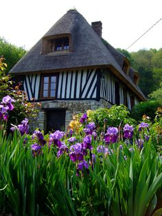 La chaumière normande, un patrimoine à sauvegarder | Dans l'Eure, il existe une route des Chaumières créée par le Parc naturel régional des Boucles de la Seine Normande