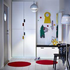 chambre enfant ikea avec armoire et lit avec rangement