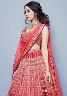 Bollywood actress Shradha kapoor in Anita Dongre bridal lengha Indian Celebrities, Bollywood Celebrities, Bollywood Fashion, Bollywood Actress, Bollywood Outfits, Indian Wedding Outfits, Bridal Outfits, Indian Outfits, Wedding Dresses