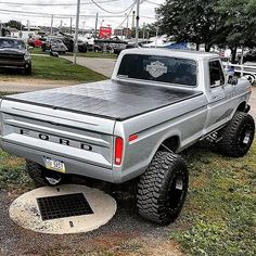 Ford is too clean! 1979 Ford Truck, Ford Obs, Ford Pickup Trucks, Car Ford, Lifted Trucks, Ford Ranger Truck, Cool Trucks, Big Trucks, Custom Pickup Trucks