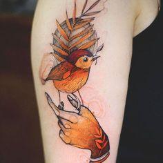 Joanna Swirska Dzo Lama bird Tattoo - List of the most beautiful tattoo models Pretty Tattoos, Love Tattoos, Beautiful Tattoos, Body Art Tattoos, Girl Tattoos, Tatoos, Whale Tattoos, Amazing Tattoos, Realistic Bird Tattoo