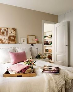 How to choose the colors to paint your house - Decoration for Home Small Room Bedroom, Cozy Bedroom, Dream Bedroom, Bedroom Colors, Bedroom Decor, Paint Your House, Romantic Room, Interior Decorating, Interior Design
